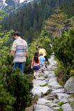 Wandern mit Vati Lizenzfreies Stockfoto