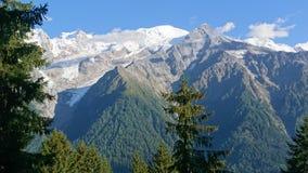 Wandern vor Montagne der Montblanc in Frankreich lizenzfreies stockfoto