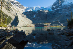Wandern zu Joffre Lakes Stockbilder