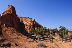 Wandernde Spur der roten Felsen Stockfotos