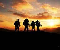Wanderung auf Sonnenuntergang Lizenzfreies Stockfoto