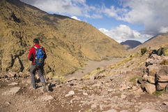 Wanderung in der Atlasreichweite lizenzfreies stockfoto
