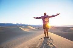 Wanderung in der Wüste Lizenzfreies Stockbild