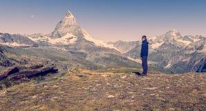 Wanderung nahe zu Matterhorn, Zermatt Lizenzfreies Stockfoto