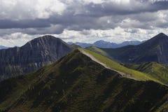 Wanderweg Österreich Stockfotos