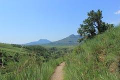 Wanderweg im königlichen Geburts- Nationalpark in Südafrika Lizenzfreie Stockfotos