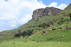 Wanderweg im königlichen Geburts- Nationalpark in Südafrika Stockbilder