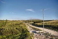 Wanderweg markiert mit Pfosten stockfotografie