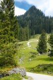 Wanderweg zum Hügel, Österreich Stockbild