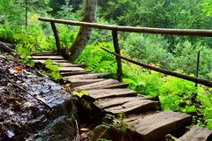 Wanderwege des Nord-Kaukasus Lizenzfreies Stockbild