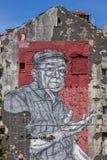 Wandgemälde in Porto durch Straßenkünstler Frederico Draw stockbild