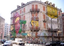 Wandgemälde auf einem Gebäude in Lissabon Stockfoto