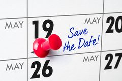 Wandkalender mit einem roten Stift - 19. Mai Stockbilder