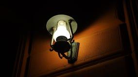 Wandlampe nachts Lizenzfreies Stockfoto