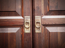 Wandschrank-Türen Stockfotos