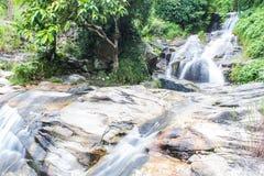 Wang Bua禁令瀑布在土井素贴Pui Nationnal公园, Chiangmai 免版税图库摄影