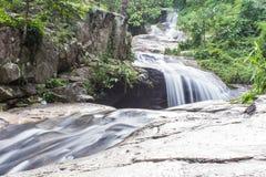 Wang Bua Ban vattenfall i Doi Suthep-Pui Nationnal Park, Chiangmai Royaltyfria Bilder