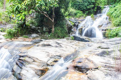 Wang Bua Ban-Wasserfall in Doi Suthep-Pui Nationnal Park, Chiangmai Lizenzfreie Stockfotografie