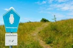 WANGEROOGE, ALLEMAGNE 4 juillet 2017 : Vue du signe de la l$mer des Wadden de réserve naturelle Image stock