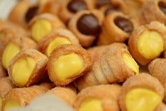 Wanilia i czekoladowi mini desery fotografia royalty free