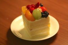 Waniliowy Szyfonowy owoc tort zdjęcie royalty free