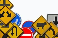 Waning и запретите знаки уличного движения на белой предпосылке бесплатная иллюстрация