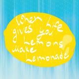 Wanneer het leven u citroen geeft maak limonade stock fotografie