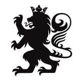Wapenkunde Lion King met Kroon Logo Mascot Vector Royalty-vrije Stock Afbeeldingen