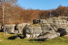 Wapni monolity - kras erozji formacje Lessinia Włochy zdjęcia royalty free