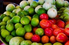 Wapno i pomidory zdjęcie stock