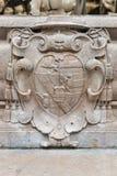 Wappen an berühmtem Residenz-Brunnen in Salzburg, Österreich Lizenzfreie Stockfotos