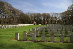 Free War Cemetery In Oosterbeek For Alied Forces From World War Of The Battle Of Arnhem Stock Images - 115855494