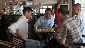 Warcaby gemowi w Wietnamskiej kawiarni Obrazy Stock