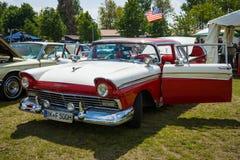 Ware grootteauto Ford Fairlane 500 Royalty-vrije Stock Fotografie