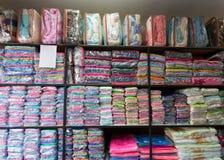 Warehouse de la tela mullida de la fibra de la suavidad de la toalla imagen de archivo libre de regalías