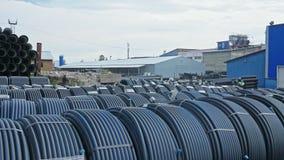 Warehouse del sitio de almacenamiento industrial acabado del aire libre de los tubos plásticos Fabricación de fábrica plástica de metrajes