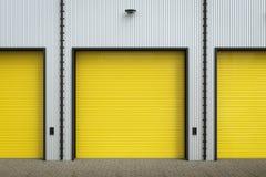 Warehouse exterior con las puertas del obturador Imagen de archivo