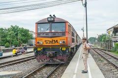 4408 waren de treineinden bij Ayutthaya-Station Royalty-vrije Stock Fotografie