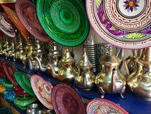 Waren für Verkauf im marokkanischen souk Stockbild