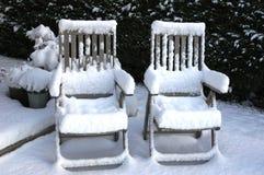 waren kalte Stühle Stockbild