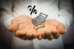Warenkorb gefüllt mit Prozentsatz Lizenzfreies Stockfoto