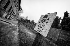 Warining σημάδι Auschwitz Στοκ Εικόνα