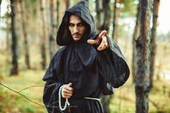Warlock που δείχνει το δάχτυλο Στοκ εικόνα με δικαίωμα ελεύθερης χρήσης