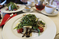Warm salad with beef and arugula Royalty Free Stock Photography