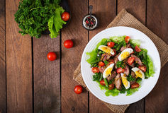Warm salad with chicken liver, green beans, eggs, tomatoes Royalty Free Stock Images