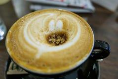 Warme en verfrissende kop van beste koffie in de ochtend Royalty-vrije Stock Fotografie