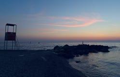 Warme farbige bewölkte Landschaft der Küste lizenzfreies stockbild
