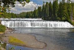 Warme Flusswasserfälle Lizenzfreie Stockbilder