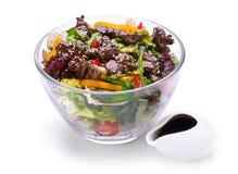 Warme salade met kippenlever Stock Afbeeldingen