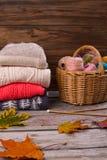 Warme Strickjacke hergestellt von der Wolle Lizenzfreie Stockfotos